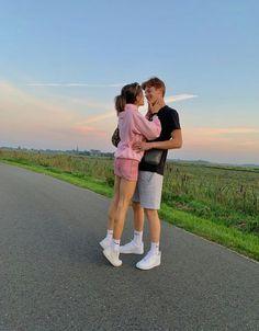 Relationship Goals Pictures, Cute Relationships, Boyfriend Goals, Future Boyfriend, Cute Couples Goals, Couple Goals, Cute Couple Pictures, Couple Photos, The Love Club