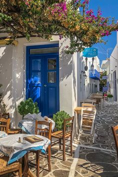 Milos island, Greece For a hidden gem in the Aegean Sea, Milos has a lot of great restaurants, cafes & bars. Here's a guide to the best ones to check out, listed by village. Click through for the complete foodie guide. Oh The Places You'll Go, Places To Visit, Beautiful Places To Travel, Romantic Travel, Romantic Vacations, Great Restaurants, Galveston Restaurants, Cafe Bar, Travel Aesthetic