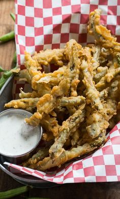 Fried Green Beans double dipped in a super flavorful batter. Bean Recipes, Vegetable Recipes, Vegetable Appetizers, Fried Beans, Fried Rice, Veggie Fries, Southern Recipes, Southern Food, Southern Living
