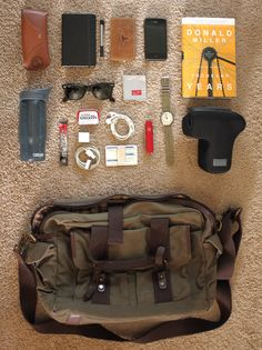 Submission: a filmmaker's bag things organized neatly bags, Edc Carry, Edc Everyday Carry, What In My Bag, What's In Your Bag, Things Organized Neatly, Style Hipster, Bushcraft Gear, Inside Bag, Hiking Gear