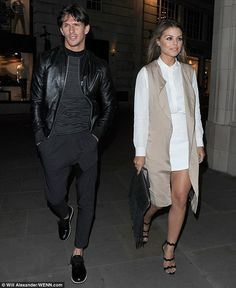 On-off couple Jake Hall and Chloe Lewis were also seen arriving together at the T. Fashion Couple, I Love Fashion, Spring Fashion, Fashion Ideas, Winter Fashion, Mens Fashion, Chloe Lewis Style, Men's Business Outfits, Moda Masculina