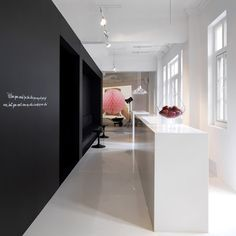My Interior Design Collection: Leo Burnett Office by Ministry of Design, Very nice constract of black and white