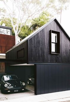 A Paddington terrace received a modern luxe renovation From the front, it's a classically beautiful Victorian terrace but beyond the front door, it's an architect's dream of angular lines and open spaces. Open Space Architecture, Detail Architecture, Modern Architecture, Chinese Architecture, Garage Design, Exterior Design, House Design, Fachada Colonial, Victorian Terrace House