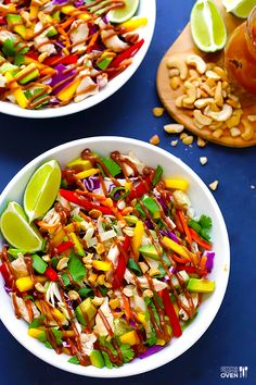 This Rainbow Thai Chicken Salad is full of amazing colors and flavors, it is topped with a heavenly peanut dressing, and it is also naturally gluten-free. Thai Chicken Salad, Chicken Salad Recipes, Lime Chicken, Healthy Salads, Healthy Eating, Healthy Recipes, Meal Salads, Celiac Recipes, Healthy Breakfasts