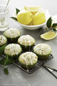 Make the best ever bakery style lemon poppy seed muffins with this easy from scratch recipe. These moist lemony muffins are great for breakfast or a snack. Super Healthy Recipes, Healthy Foods To Eat, Healthy Dinner Recipes, Healthy Snacks, Brunch Recipes, Healthy Hair, Quinoa Gluten Free, Lemon Poppyseed Muffins, Copykat Recipes