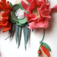 Felt flower dreamcatcher close up  #dreamcatcher #bohodreamcatcher #flowerdreamcatcher #floraldesign #floralwallart #nurserydreamcatcher #babynursery #babydreamcatcher #wallart #wallhanger #feltflowers #feltflorist #mellsvashop #handmadeisbetter #craftspire #craftsposure #creatorslane #thehandmadeparade #etsy #shoppingetsy #etsylithuania