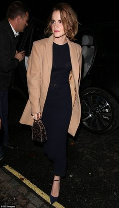 Steal Her Style: Emma Watson - style etcetera Style Emma Watson, Emma Watson Stil, Emma Watson Fashion, Emma Watson Outfits, Emma Watson Casual, Emma Watson Red Carpet, Steal Her Style, Enma Watson, Fangirl