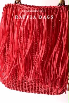 Сумка из рафии с бамбуковыми ручками #летние Spring Outfits Women, Crochet Bags, Handmade Crafts, Boho Shorts, Macrame, Fashion, Stud Earrings, Totes, Tejidos