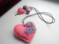 Valentine Bookmark Felt (Most crafters can look at this and DIY.  Some of the stuff at this site is cute BUT hollyyyy cowww it is wayyyy over-priced.  lollllll - Deb)