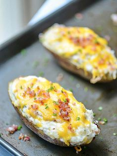 Jalapeno Popper Twice Baked Potatoes - a twice baked potato filled with all of your favorite jalapeño popper ingredients! showmetheyummy.com #jalapeno #jalapenopopper #bakedpotatoes #potatoes #bacon #cheese #spicy #ranch