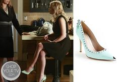 Hanna Marin (Ashley Benson) wears these pointy mint pumps with stud and bow detail in this week's episode of Pretty Little Liars. Mint Shoes, Pretty Little Liars Seasons, Spencer Hastings, Fashion Tv, Other Outfits, College Fashion, Pll, Season 4, Shopping