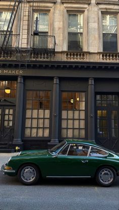 Auto Retro, Retro Cars, Vintage Cars, Vintage Porsche, City Aesthetic, Travel Aesthetic, Aesthetic Pictures, Pretty Pictures, Aesthetic Wallpapers