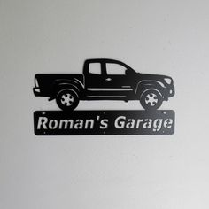 Personalized Man Cave Toyota Tacoma camion par Just4theArtofit