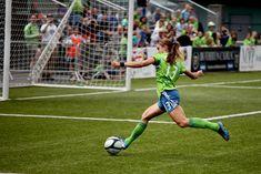 Alex Morgan, soccer!