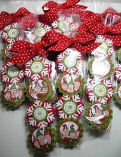 peppermint patties decorated and packaged in pretzel bag... good idea for craft fair