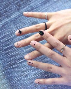 Have you discovered your nails lack of some stylish nail art? Yes, lately, many girls personalize their nails with lovely … Nail Art Diy, Diy Nails, Cute Nails, Pretty Nails, Minimalist Nails, Manicure Y Pedicure, Luxury Nails, Nail Decorations, Beautiful Nail Art