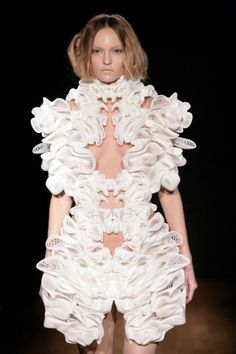 3D printed collection by Iris van Herpen by lupe