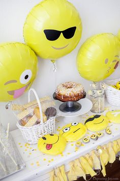 The best DIY projects & DIY ideas and tutorials: sewing, paper craft, DIY. Best Diy Crafts Ideas For Your Home Emoji Birthday Party, complete with free party printables and banner. Emoji Theme Party, Party Themes, Party Ideas, Diy Ideas, Party Hacks, Craft Ideas, Party Party, Decor Ideas, 12th Birthday