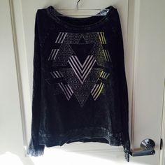 Selling this ❤️SALE❤️Urban Outfitters Crewneck in my Poshmark closet! My username is: ishanigupta. USE THE CODE : PQVED TO JOIN AND GET 10$$ #shopmycloset #poshmark #fashion #shopping #style #forsale #Urban Outfitters #Sweaters