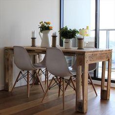 Table à manger en palette intérieur style scandinave  http://www.homelisty.com/table-en-palette/