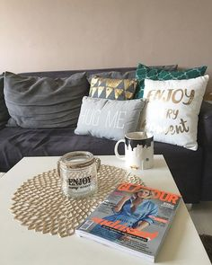 #pillows #addiction #enjoyeverymoment #hugme #coffeebreak #glamourhungary #starbucks #starbuckscoffee #newyorkmug #homedecor #enterior #mutimitiszol #mik #ikozosseg #pepco