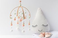 Peach and Mint Baby Mobile Girl - Baby Girl Mobile - Peach Nursery Mobile - Girl Nursery Mobile - Felt Ball Mobile - Ceiling Mobile Peach Nursery, Girl Nursery, White Nursery, Nursery Room, Baby Mädchen Mobile, Cot Mobile, Mobile Shop, Deco Cafe, Modern Nursery Decor