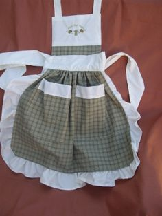 Green and White Country Apron (adult) with Bless my Home on it