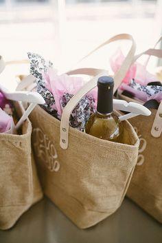 Bridal Party Gift Bags #KatalinaGirl #blogger #giftbags #bridalbrunch #engagement #bridesmaids