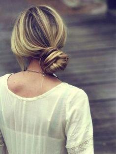 Penteados com coque para você se inspirar - Coque lateral