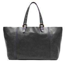 ac10398678155 2011 - L épure chic en signature Lancé en 2011, le Simple Bag s est  rapidement imposé comme un nouvel it-bag. Des cuirs souples coupés à cru,  ...