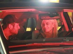 Aww! Blake Shelton and Gwen Stefani Are All Smiles During Romantic Evening Drive http://www.people.com/article/blake-shelton-gwen-stefani-romantic-drive-photo