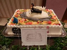 jp show orig HGvbi Wedding Cakes, Totoro, Fruit, Party, Desserts, Weddings, Food, Beautiful, Wedding Gown Cakes