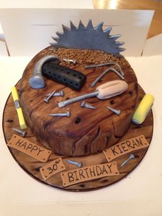 Carpenter cake Cupcakes, Cake Cookies, Cupcake Cakes, Woodworking Cake Ideas, Woodworking Images, Woodworking Jigs, Woodworking Projects, Themed Birthday Cakes, Themed Cakes