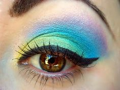 Oh how I want to be able to wear makeup like this!