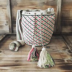 This beauty is available now  #ngo #❤️ #wayuu #style #ethicalfashion #indigenousrights #ootd #love #mochila #fblogger #fashion #fashionblogger  #칠라백 #와유백 #독특한 #排他的 #獨家 #퓨전 #融合 #聚變 #애정 #愛 #愛 #귀엽다 #可愛い #taiwan #china #wayuulovers #zürich