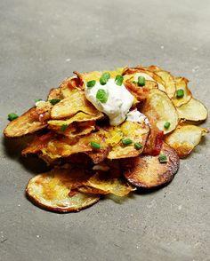 Es ist krass einfach und es sind Kartoffeln und Käse drin: Gebackene Kartoffelchip-Nachos | 11 schnelle Rezepte, die krass gut aussehen und…