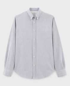 Antime brushed Oxford shirt in light grey, chest pocket, buttoned collar with sleek lines, easy to wear in any situation. Chambray, Denim Jeans, Tees, Shirts, Zip Ups, Oxford, Shirt Dress, Model, Sweaters