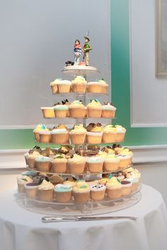 """cupcake heaven...""""I don't know about the heaven part but these are some delish looking cupcakes!"""" ;)"""