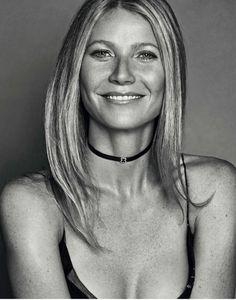 GWYNETH PALTROW in Elle Magazine, Spain January 2017