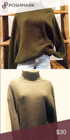 Gap green turtle neck Olive green gap turtle neck. Great condition GAP Sweaters Cowl & Turtlenecks