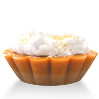 Pumpkin pie wax tarts with whipped wax topping (cute! Diy Wax Melts, Scented Wax Melts, Homemade Candles, Homemade Crafts, Diy Candles, Scented Wax Warmer, Wax Warmers, Wax Tarts, Wholesale Supplies