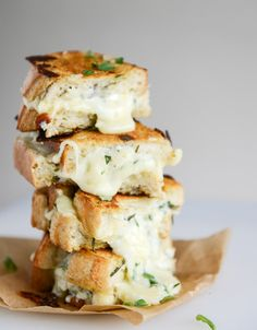 white pizza grilled cheese I howsweeteats.com