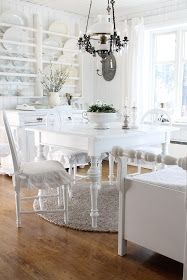 What a great dining room!