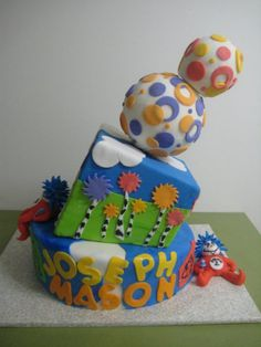 Dr Seuss Baby Shower Cake www.DarlingCake.com  Must make but completely lorax themed