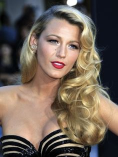 Blake Lively hair - beautiful vintage inspired hairstyle for a wedding.