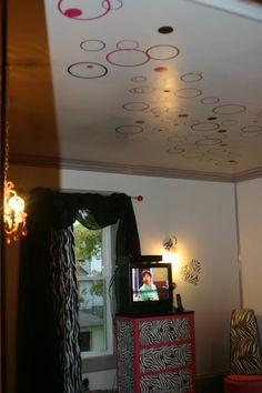 laneys room