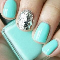 reminds me of mint candy apple & set in stones from essie <3