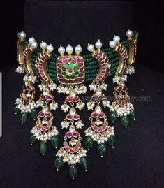 Gold jewelry necklace - Emerald Beads Choker with Kundan Clasps – Gold jewelry necklace Real Gold Jewelry, Emerald Jewelry, Trendy Jewelry, Emerald Necklace, Diamond Jewelry, Indian Wedding Jewelry, Indian Jewelry, Bridal Jewelry, Saris
