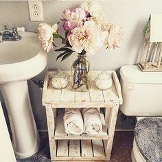 Shabby Chic Wood Pallet Bathroom Shelves