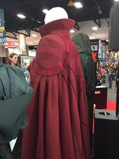 Cloak of levitation Villain Costumes, Movie Costumes, Diy Costumes, Cosplay Costumes, Halloween Costumes, Dr Strange Cape, Doctor Strange Cloak, Benedict Cumberbatch, Dr Strange Costume